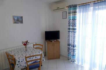 Barbat, Sala da pranzo nell'alloggi del tipo apartment, condizionatore disponibile, animali domestici ammessi e WiFi.