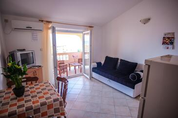Barbat, Столовая в размещении типа apartment, доступный кондиционер, Домашние животные допускаются и WiFi.