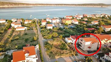 Barbat, Rab, Alloggio 14390 - Appartamenti affitto con la spiaggia ghiaiosa.