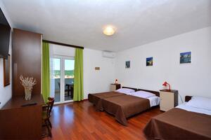 Apartmány s parkoviskom Vinišće (Trogir) - 14407