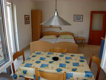 Seget Vranjica, Living room in the studio-apartment, (pet friendly) and WiFi.