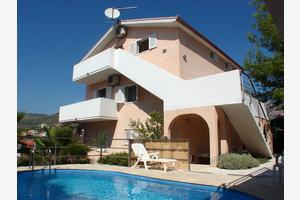 Family friendly apartments with a swimming pool Seget Vranjica, Trogir - 14409