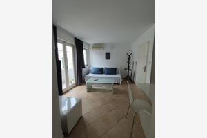 Apartmani uz more Tisno (Murter) - 14410