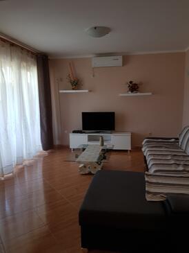 Supetarska Draga - Donja, Obývací pokoj v ubytování typu apartment, s klimatizací a WiFi.