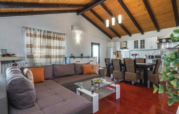 Sveti Lovreč, Living room in the house, air condition available and WiFi.