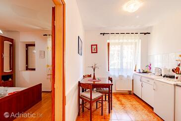 Mali Ston, Столовая в размещении типа studio-apartment, Домашние животные допускаются и WiFi.
