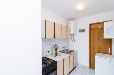 Pještata, Kuchyňa v ubytovacej jednotke apartment, domáci miláčikovia povolení a WiFi.