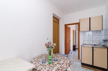 Pještata, Jídelna v ubytování typu apartment, domácí mazlíčci povoleni a WiFi.
