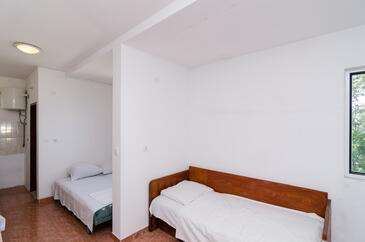 Pještata, Living room in the apartment, air condition available, (pet friendly) and WiFi.