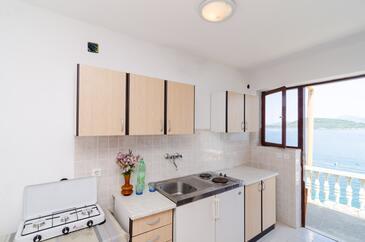 Pještata, Kuchyňa v ubytovacej jednotke studio-apartment, domáci miláčikovia povolení a WiFi.