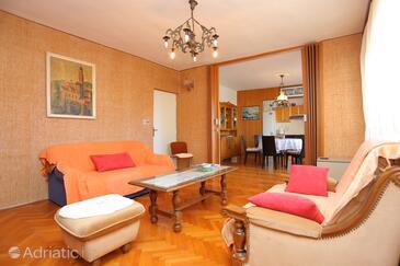Sumpetar, Гостиная в размещении типа apartment, доступный кондиционер, Домашние животные допускаются и WiFi.