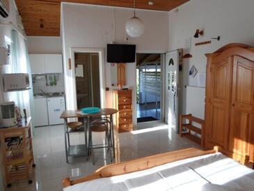 Nin, Esszimmer in folgender Unterkunftsart studio-apartment, Haustiere erlaubt und WiFi.