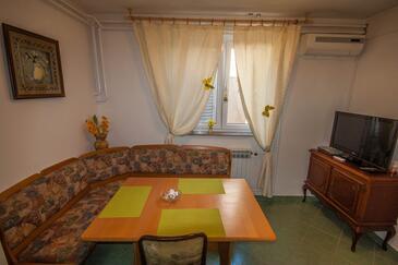Zadar, Jedáleň v ubytovacej jednotke apartment, dostupna klima, dopusteni kucni ljubimci i WIFI.