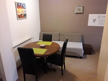 Zadar, Jedáleň v ubytovacej jednotke studio-apartment, dostupna klima, dopusteni kucni ljubimci i WIFI.