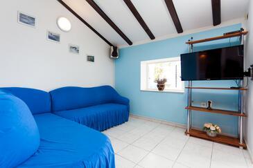 Stratinčica, Obývací pokoj v ubytování typu house, WiFi.