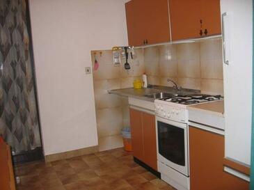 Krk, Kuhinja u smještaju tipa apartment, kućni ljubimci dozvoljeni i WiFi.