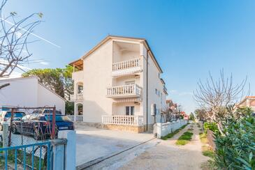 Sabunike, Zadar, Property 14490 - Apartments with pebble beach.