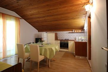 Vela Stiniva, Dining room in the apartment, air condition available, (pet friendly) and WiFi.