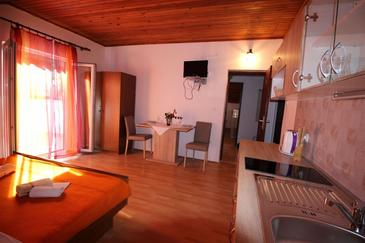 Vela Stiniva, Dining room in the studio-apartment, (pet friendly) and WiFi.