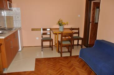 Barbat, Jadalnia w zakwaterowaniu typu apartment, WiFi.