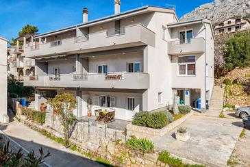 Stanići, Omiš, Property 14536 - Apartments with pebble beach.