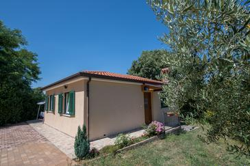 Kaštel, Središnja Istra, Property 14572 - Vacation Rentals with pebble beach.