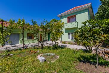 Kaštel Stari, Kaštela, Property 14577 - Apartments near sea with pebble beach.