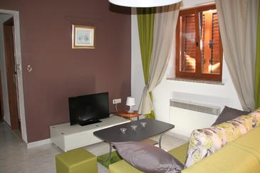 Labin, Living room in the apartment, air condition available and WiFi.