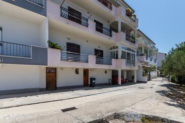 Duće, Omiš, Obiekt 14587 - Apartamenty przy morzu z piaszczystą plażą.