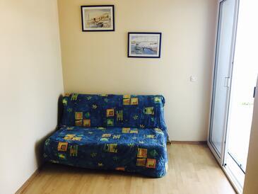 Ljubač, Obývací pokoj v ubytování typu apartment, s klimatizací, domácí mazlíčci povoleni a WiFi.