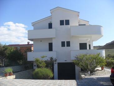 Ljubač, Zadar, Property 14593 - Apartments near sea with sandy beach.