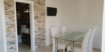 Bilo, Jídelna v ubytování typu apartment, domácí mazlíčci povoleni a WiFi.
