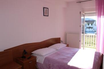 Trilj, Ložnice v ubytování typu room, s klimatizací, domácí mazlíčci povoleni a WiFi.