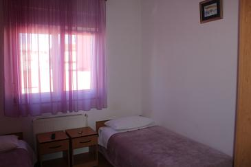 Trilj, Bedroom in the room, air condition available, (pet friendly) and WiFi.
