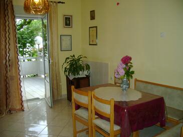 Palit, Столовая в размещении типа apartment, WiFi.
