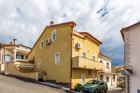 Apartments with WiFi Crikvenica - 14631