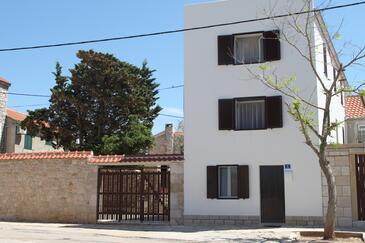 Vinjerac, Zadar, Obiekt 14640 - Apartamenty przy morzu z piaszczystą plażą.