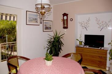 Orebić, Jídelna v ubytování typu apartment, s klimatizací, domácí mazlíčci povoleni a WiFi.