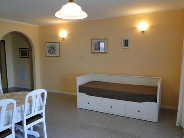 Zambratija, Obývací pokoj 1 v ubytování typu house, s klimatizací a WiFi.