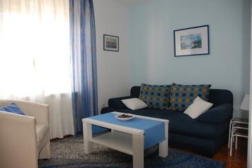 Opatija, Sala de estar in the apartment, WiFi.