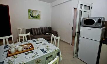 Pakoštane, Obývací pokoj v ubytování typu apartment, WiFi.