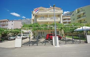 Makarska, Makarska, Property 14667 - Apartments with pebble beach.