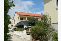 Family friendly seaside apartments Preko (Ugljan) - 14692