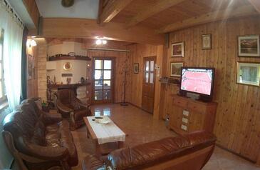 Čujića Krčevina, Obývací pokoj v ubytování typu house, domácí mazlíčci povoleni a WiFi.