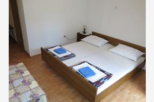 Apartments with a parking space Gradac (Makarska) - 14708