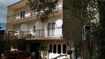 Gradac, Makarska, Property 14708 - Apartments with pebble beach.