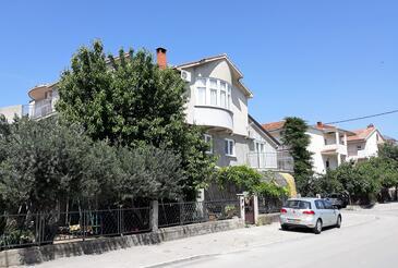Kaštel Štafilić, Kaštela, Objekt 14714 - Apartmani sa šljunčanom plažom.