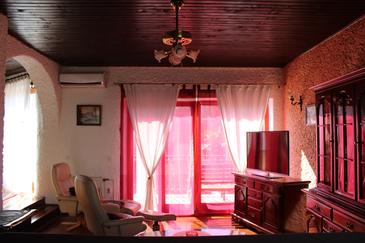 Novigrad, Living room in the apartment, air condition available, (pet friendly) and WiFi.
