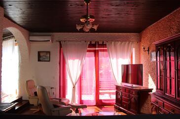 Novigrad, Obývací pokoj v ubytování typu apartment, s klimatizací, domácí mazlíčci povoleni a WiFi.