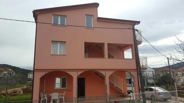 Poljica, Trogir, Objekt 14803 - Ubytování s oblázkovou pláží.